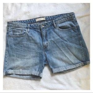 LEVI'S Vintage Light Wash Rolled Shorts